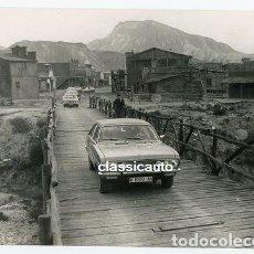 FOTO ORIGINAL PRESENTACION A LA PRENSA EN ALMERIA DEL CHRYSLER 180