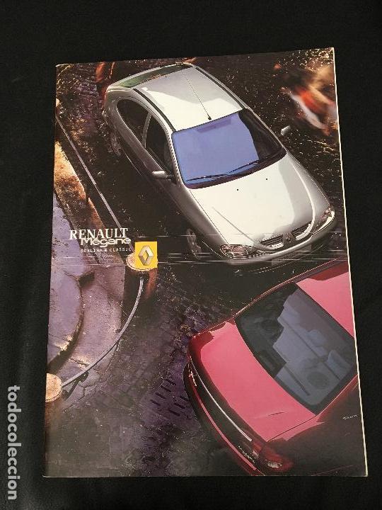 FOLLETO CATALOGO PUBLICIDAD ORIGINAL RENAULT MEGANE BERLINA Y CLASSIC DE 2001 (Coches y Motocicletas Antiguas y Clásicas - Catálogos, Publicidad y Libros de mecánica)