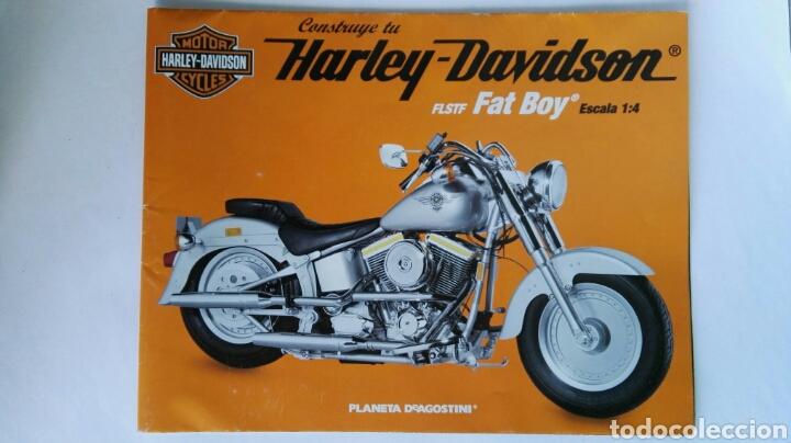 PÓSTER HARLEY DAVIDSON FLSTF FAT BOY PLANETA DEAGOSTINI (Coches y Motocicletas Antiguas y Clásicas - Catálogos, Publicidad y Libros de mecánica)