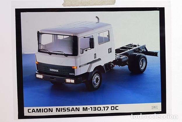 Coches y Motocicletas: Nissan Trade camión M-140.17; M-130.17 Doble Cabina – 2 transparencias 9 x 12 cm para prensa - 1991 - Foto 2 - 128186023