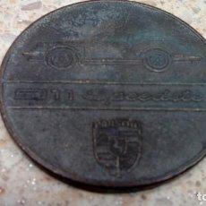 Coches y Motocicletas: CALENDARIO PORSCHE 911 SPEEDSTER 1989, MEDALLA-MONEDA CONMEMORATIVA DE COBRE.. Lote 129384691