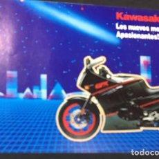 Coches y Motocicletas: FOLLETO CATALOGO PUBLICIDAD ORIGINAL KAWASAKI GAMA GPX 750-RZX-10-600-R-KLR-650-Z400F-II. Lote 133562746