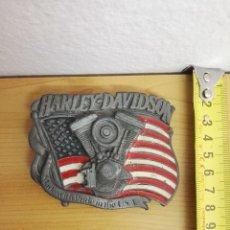 Coches y Motocicletas: HEBILLA HARLEY DAVIDSON DE 1991 DE METAL. POR BARON, USA. Lote 141226278