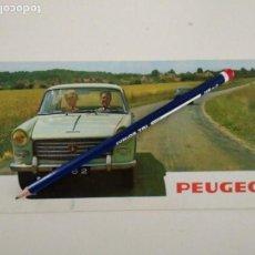 Coches y Motocicletas: CATALOGO FOLLETO PUBLICITARIO PEUGEOT 1962, TRÍPTICO EN INGLÉS. Lote 142460810