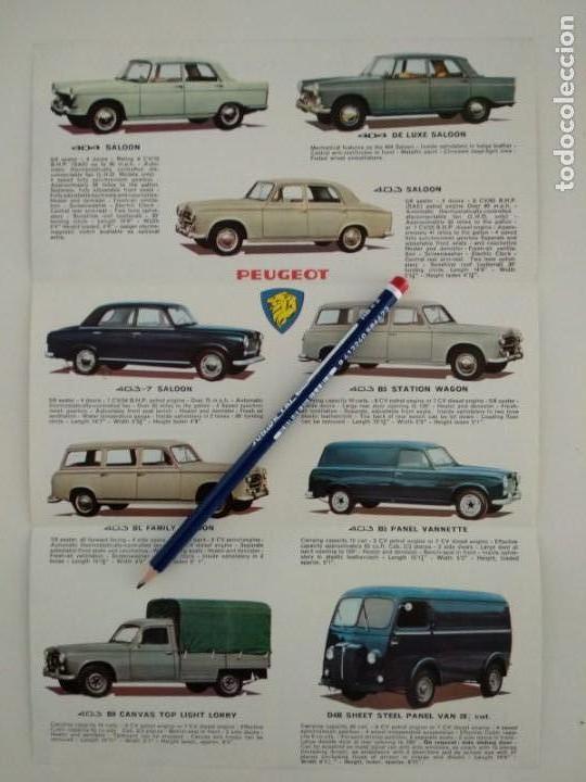 Coches y Motocicletas: Catalogo folleto publicitario Peugeot 1962, tríptico en inglés - Foto 2 - 142460810