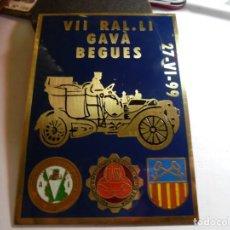 Coches y Motocicletas: MAGNIFICA PLACA EN BRONCE ESMALTADA VII RAL.LI GAVA BEGUES,CLASSIC MOTOR CLUB DEL BAGES 1999. Lote 151409258