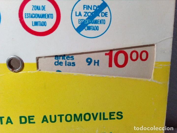 Coches y Motocicletas: ANTIGUO DISCO DE CONTROL DE APARCAMIENTO ZONA AZUL - SEAT - FIAT - AÑOS 60 - Foto 6 - 151551586