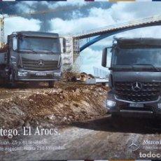 Coches y Motocicletas: CATÁLOGO CAMIONES MERCEDES BENZ GAMAS ATEGO Y AROCS CONSTRUCCION. ENERO 2015. EN ESPAÑOL. Lote 152592862