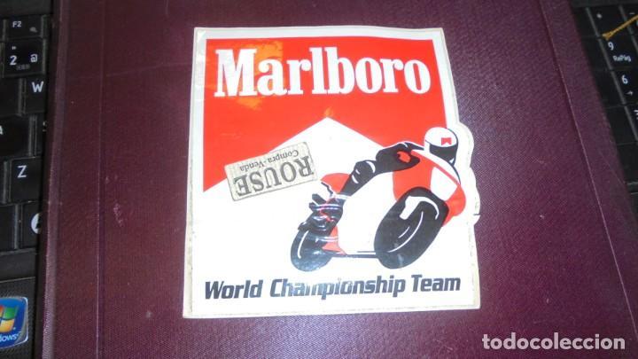 MOTOCICLISMO - ANTIGUA PEGATINA - MARLBORO - WORLD CHAMPIONSHIP TEAM 12X11 CM. (Coches y Motocicletas Antiguas y Clásicas - Catálogos, Publicidad y Libros de mecánica)