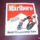 Coches y Motocicletas: MOTOCICLISMO - ANTIGUA PEGATINA - MARLBORO - WORLD CHAMPIONSHIP TEAM 12X11 CM. . Lote 156889950
