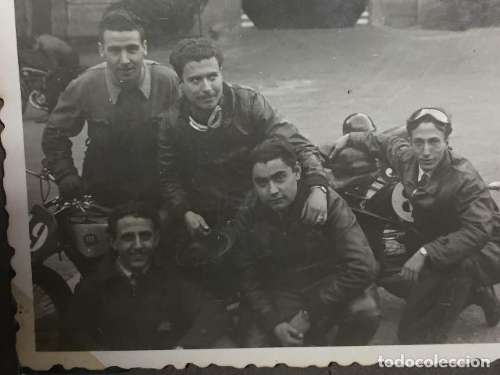 Coches y Motocicletas: fotografia corredores motoristas moto montesa rápita o similar españa cataluña anos 40 50 s xx - Foto 3 - 158489214