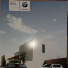 Coches y Motocicletas: CATÁLOGO BMW SERIE 1 3 Y 5 PUERTAS. 2009. EN ESPAÑOL. Lote 164999270