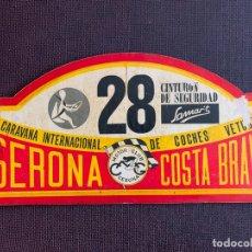 Coches y Motocicletas: PLACA MADERA Nº 28 DE LA IX CARAVANA INTERNACIONAL DE COCHES VETUSTOS - MOTOR CLUB GERONA 1972. Lote 165854074