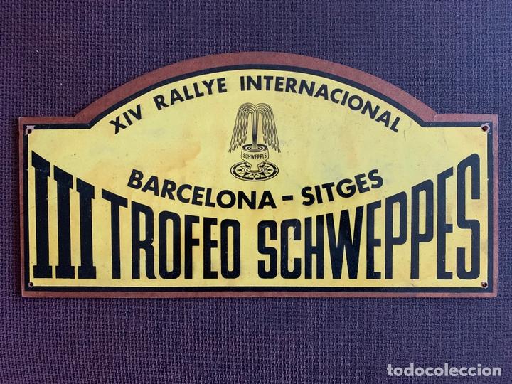 PLACA MADERA. XIV RALLYE INTERNACIONAL BARCELONA-SITGES. III TROFEO SCHWEPPES. 1974 (Coches y Motocicletas Antiguas y Clásicas - Catálogos, Publicidad y Libros de mecánica)