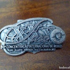 Coches y Motocicletas: INSIGNIA 30ª CONCENTRACIÓN MOTERA DE FARO, AÑO 2011.. Lote 173678779