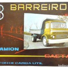 Coches y Motocicletas: CATALOGO ORIGINAL DÍPTICO PUBLICIDAD CAMION BARREIROS SAETA EN CASTELLANO. Lote 185903838
