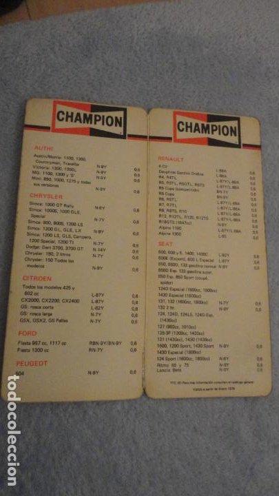Coches y Motocicletas: ANTIGUO DIPTICO TABLA BUJIAS CHAMPION.AUTOMOVILES. 1979 - Foto 3 - 190437900