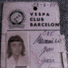 Coches y Motocicletas: VESPA CLUB BARCELONA - CREDENCIAL MECANICO 1980 SERVICIOS AUXILIARES CARMET. Lote 194239980