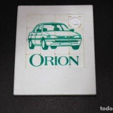 Coches y Motocicletas: PUZZLE / PUZLE MINI LABERINTO - FORD ORION - 1991 - 9X7.5 CM.. Lote 194311346