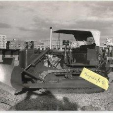 Coches y Motocicletas: PEGASO ALLIS CHALMERS TRACTOR MODELO 250 HW 1963 FOTO ENASA, TAMAÑO 24X18CM. Lote 194387801