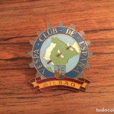 Coches y Motocicletas: CHAPA INSIGNIA VESPA CLUB DE ESPAÑA BILBAO. Lote 194706380