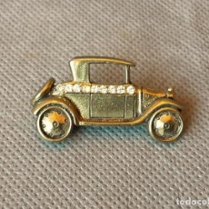 Coches y Motocicletas: BROCHE PIN DE ALFILER COCHE ANTIGUO. Lote 194786898