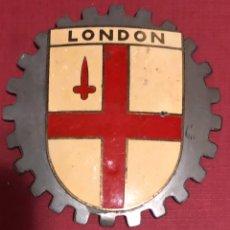 Coches y Motocicletas: PUBLICIDAD; PLACA ESMALTADA PARA COCHE O MOTO, DE LA BANDERA DE LONDRES.. Lote 195334522