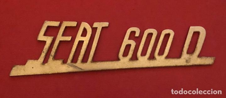 Coches y Motocicletas: Publicidad; coche. Emblema de SEAT 600 D. - Foto 2 - 196208956