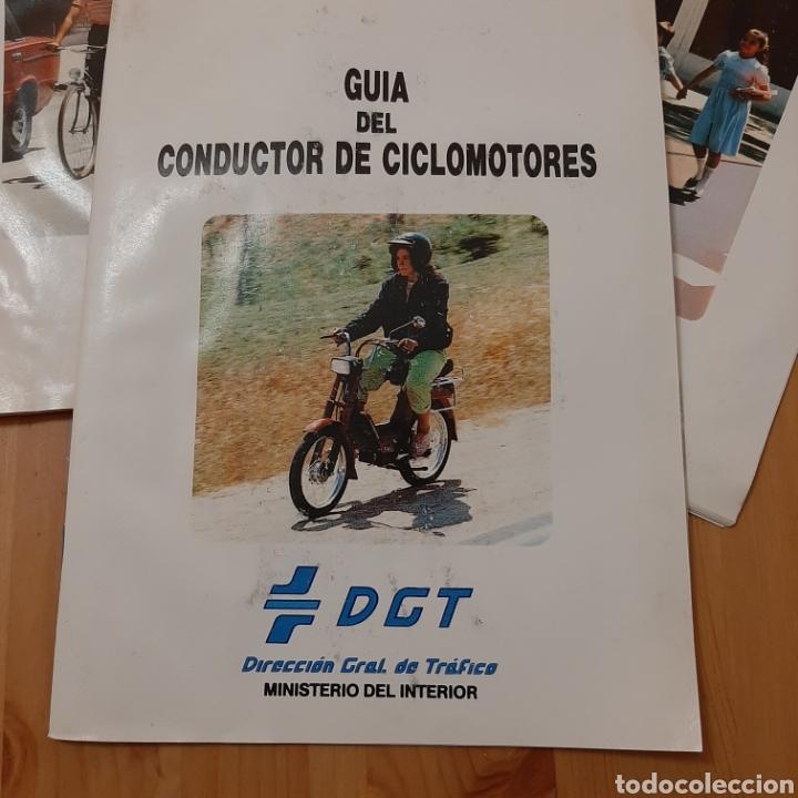 Coches y Motocicletas: Lote guías de la de DGT vintage - Foto 2 - 207346305