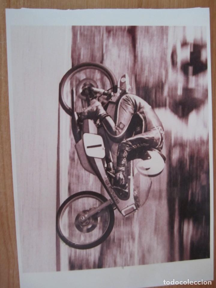 Coches y Motocicletas: lote 5 fotos antiguas motos bultaco y coches rallye seat porsche - Foto 5 - 207603082