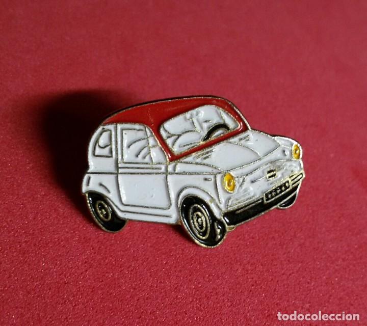 Coches y Motocicletas: pin esmaltado seat 600 blanco y rojo - Foto 3 - 215227587