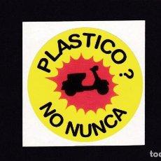 Automobili e Motociclette: PEGATINA VINILO - PLASTICO? NO NUNCA - VESPA , LAMBRETTA .... Lote 219181373