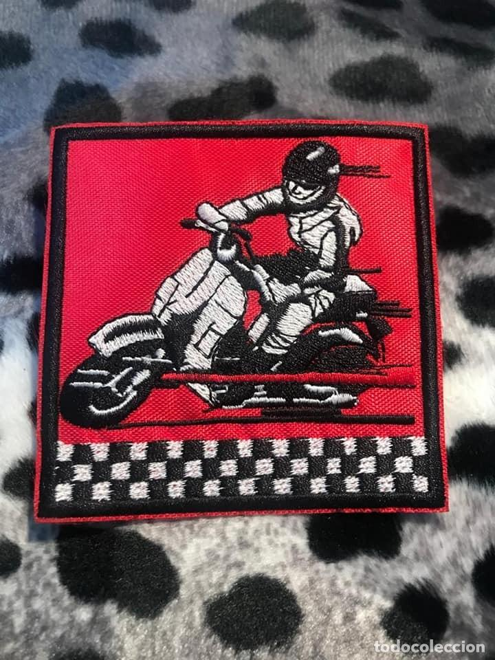 PARCHE BORDADO VESPA (Coches y Motocicletas Antiguas y Clásicas - Catálogos, Publicidad y Libros de mecánica)