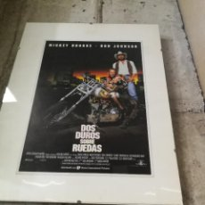Coches y Motocicletas: POSTER MUY MOTERO, ENMARCADO DE LA PELICULA.... DOS DUROS SOBRE RUEDAS. Lote 246801955