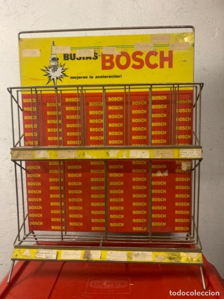 BOSCH EXPOSITOR BUJIAS ANTIGUO (Coches y Motocicletas Antiguas y Clásicas - Catálogos, Publicidad y Libros de mecánica)