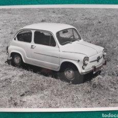 Coches y Motocicletas: SEAT 600 L FOTOGRAFÍA 1972. Lote 247123180