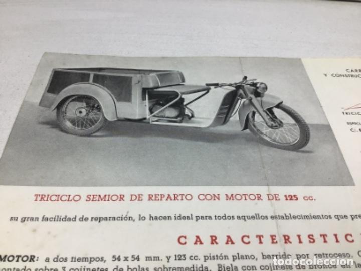 Coches y Motocicletas: DIPTICO TRICICLO DE REPARTO SEMIOR - AÑOS 50 BARCELONA - CATALOGO PUBLICITARIO - Foto 2 - 253323780
