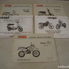 Coches y Motocicletas: LOTE DE 5 CATALOGO PIEZAS RECAMBIOS MOTO DERBI. Lote 269823743