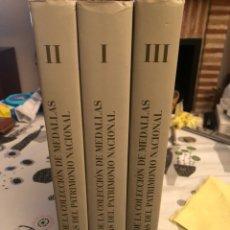 Catálogos y Libros de Monedas: MAGNIFICO LOTE DE 3 CATÁLOGOS MEDALLAS ACUÑADAS EN ESPAÑA DESDE 1516-2002. Lote 144662764