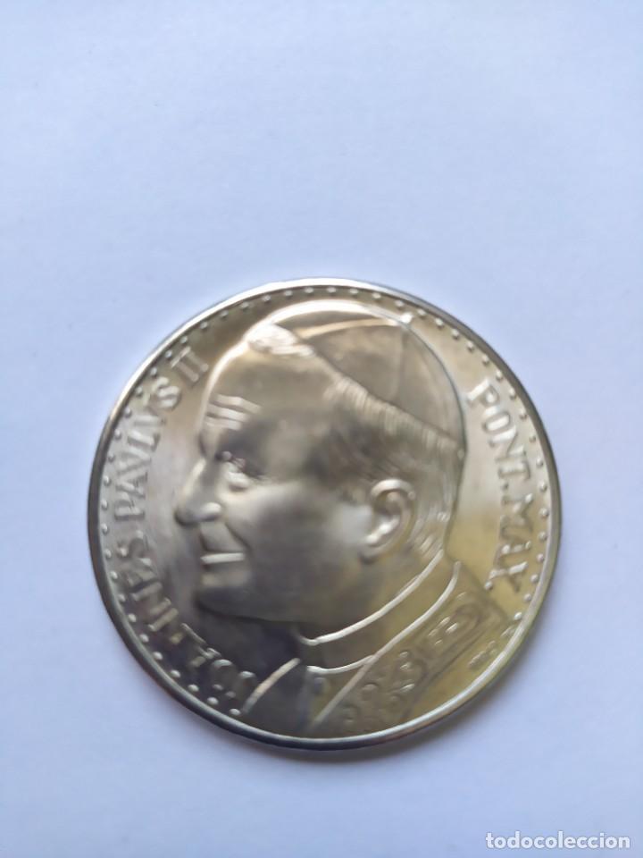 MONEDA DE PLATA. VIAJE CONMEMORATIVO JUAN PABLO II A ESPAÑA (Numismática - Catálogos y Libros)