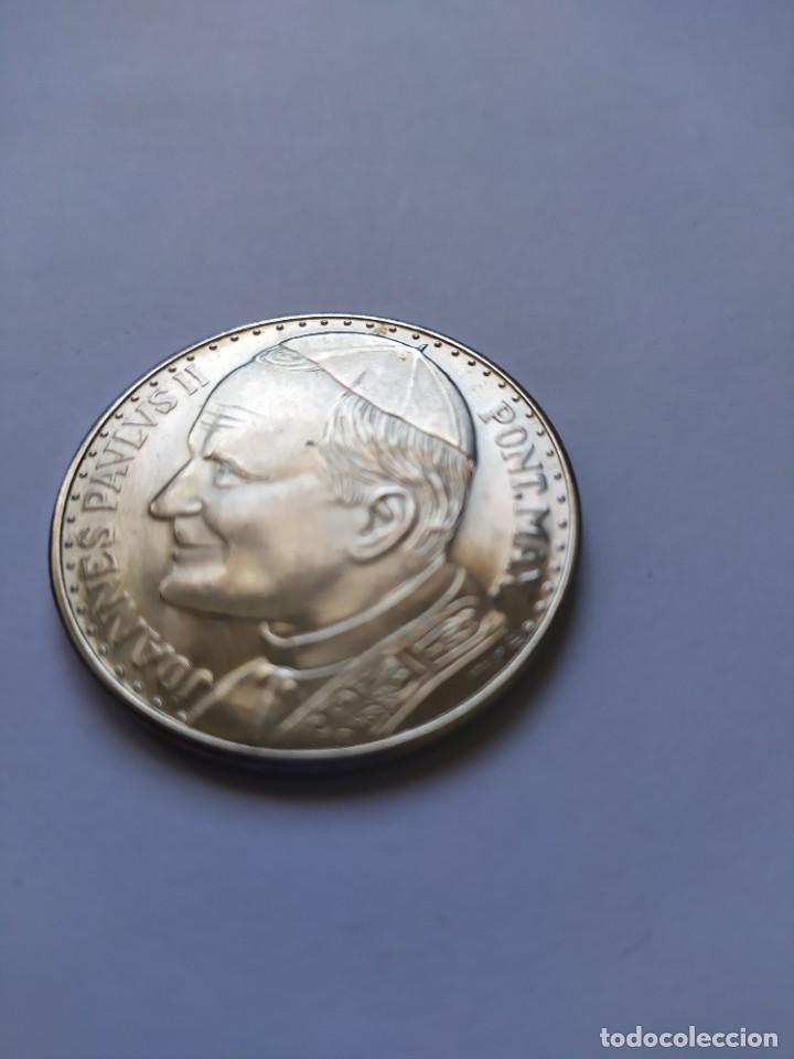 Catálogos y Libros de Monedas: Moneda de plata. Viaje conmemorativo Juan Pablo II a España - Foto 4 - 255952720