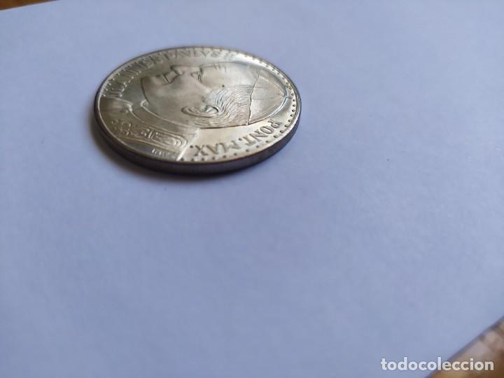 Catálogos y Libros de Monedas: Moneda de plata. Viaje conmemorativo Juan Pablo II a España - Foto 6 - 255952720