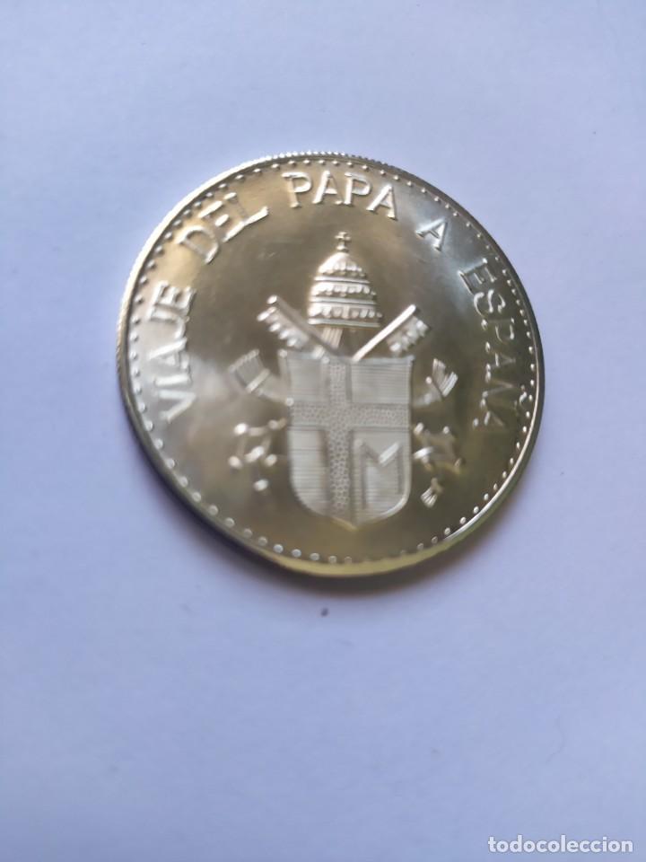 Catálogos y Libros de Monedas: Moneda de plata. Viaje conmemorativo Juan Pablo II a España - Foto 11 - 255952720