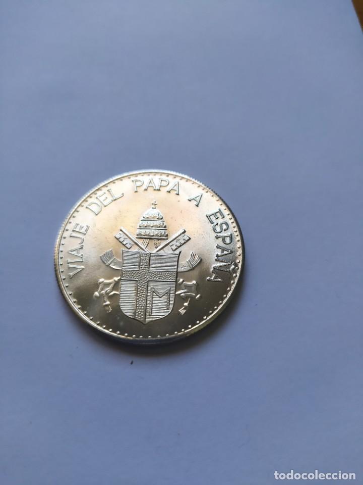 Catálogos y Libros de Monedas: Moneda de plata. Viaje conmemorativo Juan Pablo II a España - Foto 12 - 255952720