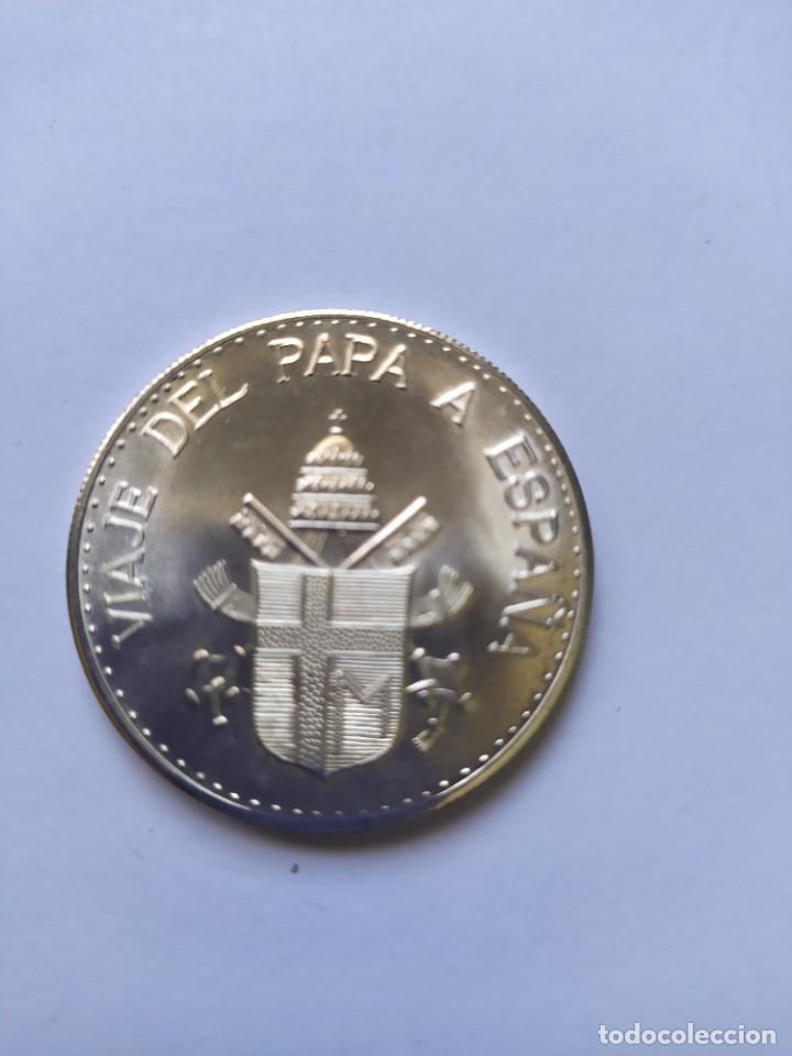 Catálogos y Libros de Monedas: Moneda de plata. Viaje conmemorativo Juan Pablo II a España - Foto 13 - 255952720