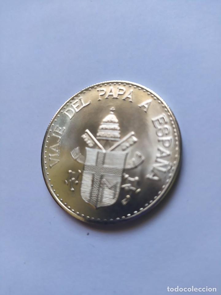 Catálogos y Libros de Monedas: Moneda de plata. Viaje conmemorativo Juan Pablo II a España - Foto 14 - 255952720