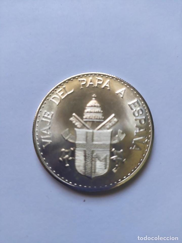 Catálogos y Libros de Monedas: Moneda de plata. Viaje conmemorativo Juan Pablo II a España - Foto 15 - 255952720