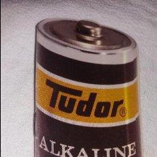 Catálogos publicitarios: PEQUEÑO CATALOGO PILAS ALKALINE TUDOR. Lote 115982463