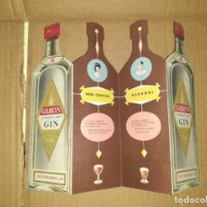 Catálogos publicitarios: FOLLETO PUBLICIDAD DESPLEGABLE TROQUELADA GILBEYS GINEBRA CINZANO. Lote 190562235