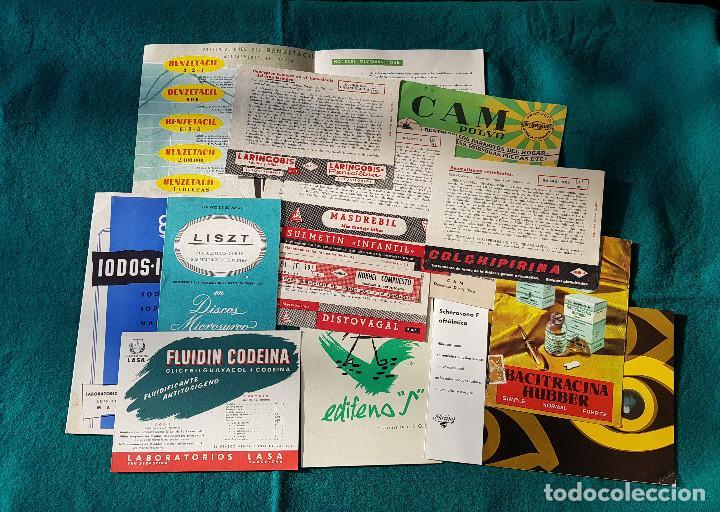 LOTE DE CATALOGOS Y CARTELES DE FARMACIA (Coleccionismo - Catálogos Publicitarios)